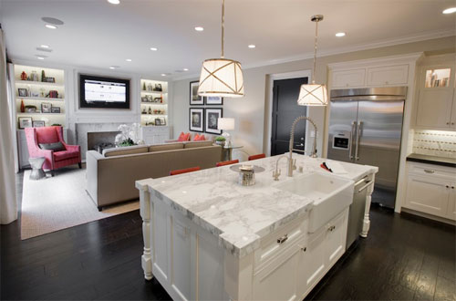 Дизайн квадратной кухни-гостиной