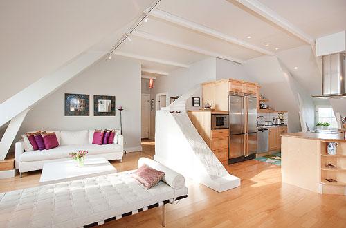 Кухня и спальня на мансардном этаже