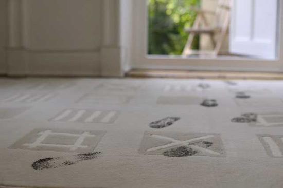 Для чистки ковролина используйте только безопасные экологичные средства