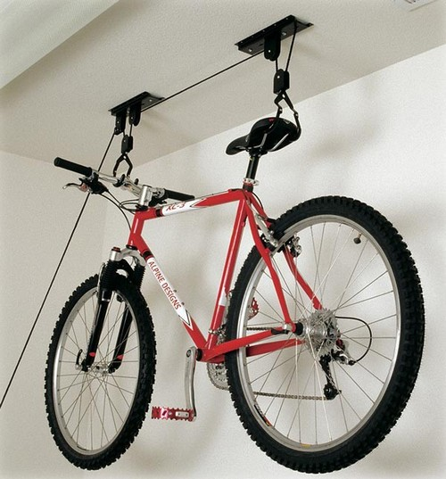 Как подвесить велосипед к потолку на кронштейнах
