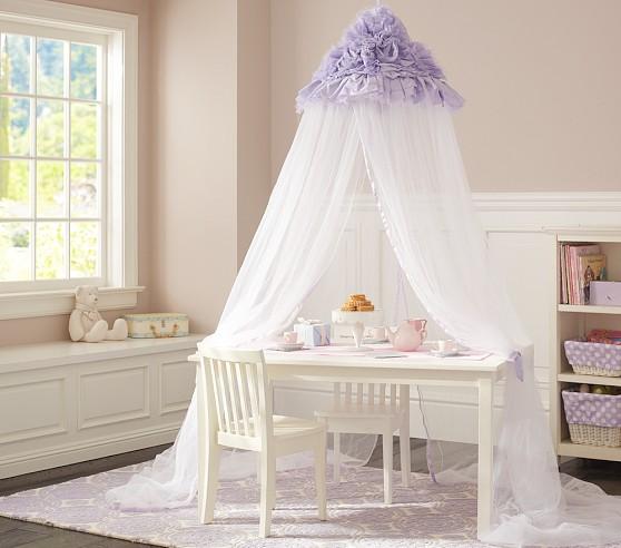 Детский балдахин в комнате принцессы