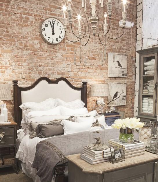 Кирпичная стена в спальне фото