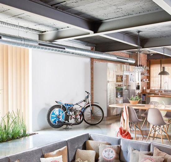 Декоративные потолочные балки в интерьере квартиры фото