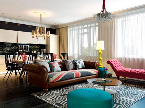 Белые шторы в интерьере гостиной в стиле поп-арт