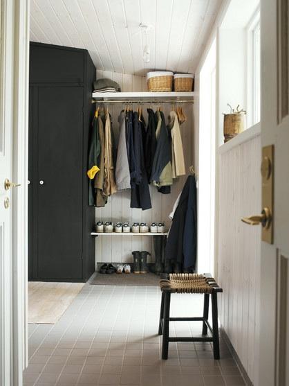 Шкаф в прихожей - обязательный предмет мебели