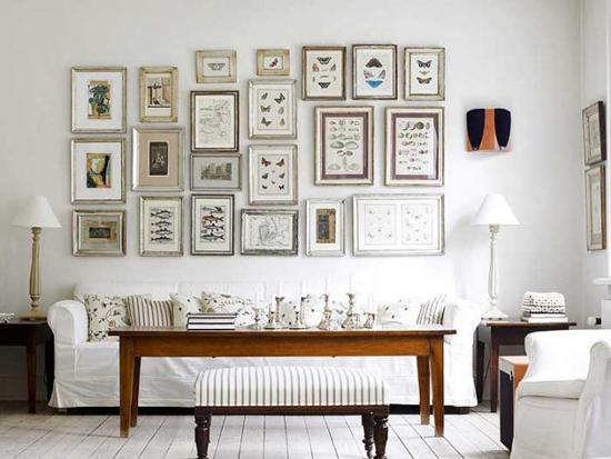 Белые стены в ретро-интерьере