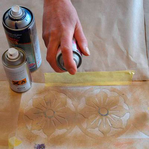 Трафареты для декора своими руками: нанесение краски при помощи спрея
