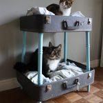 Домик - лежанка для кошек из чемоданов