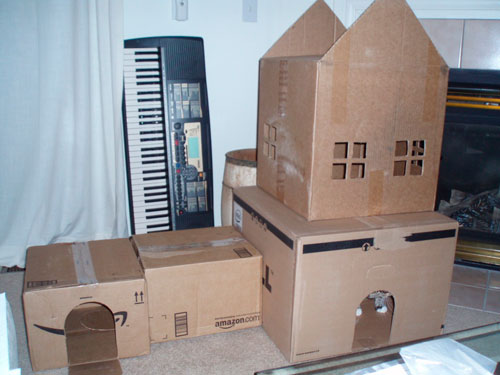 Мастерим домик для кошки из коробки