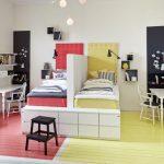 Фото 40: Разделение комнаты для разнополых детей перегородкой между кроватями