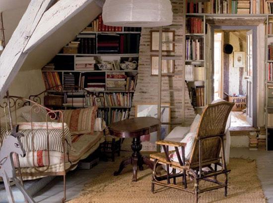 Кованая мебель в интерьере кантри