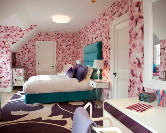 Белые межкомнатные двери в интерьере спальни