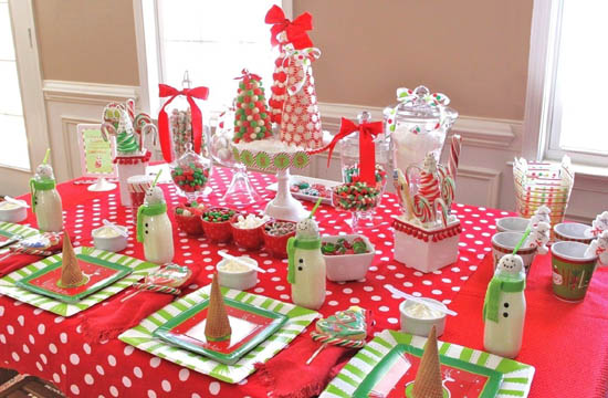 kids-christmas-party-table