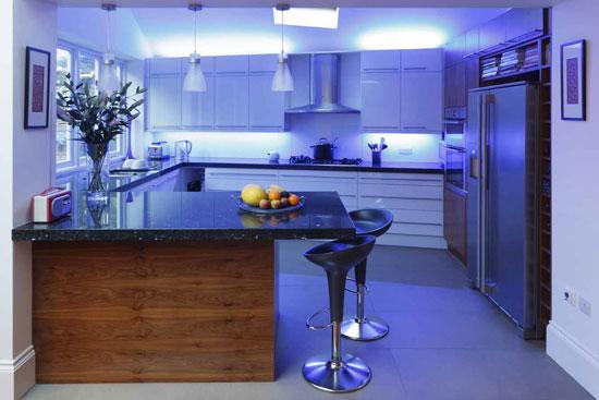 Интерьер мужской комнаты: кухня