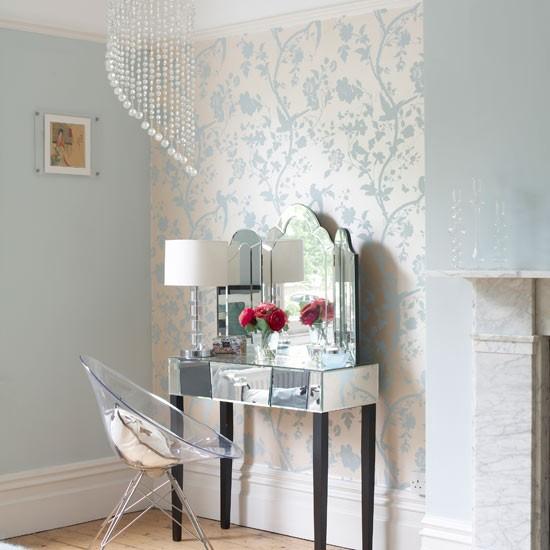 Зонирование комнаты с помощью комбинированных обоев