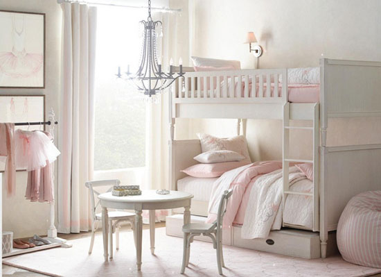 Оформление детской комнаты в нежных тонах
