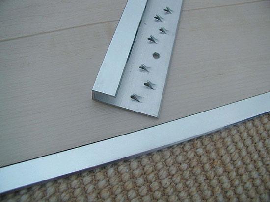 Использование профиля для стыка между напольными покрытиями