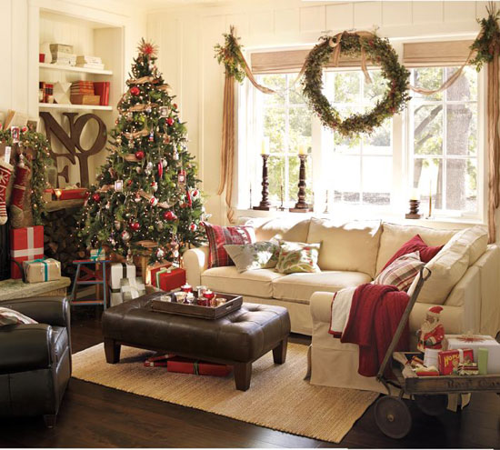 Новогодний декор окон - рождественские венки