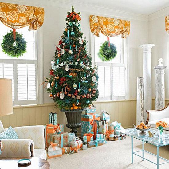 Новогоднее украшение окон - рождественские венки