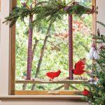 Фото 70: красивая композиция на окне к Новому Году