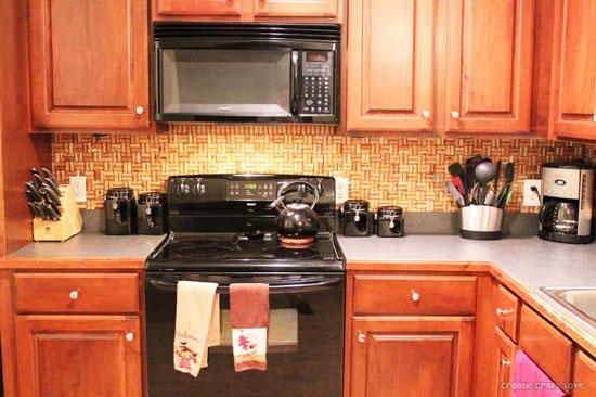 Кухонный фартук из винных пробок в интерьере фото