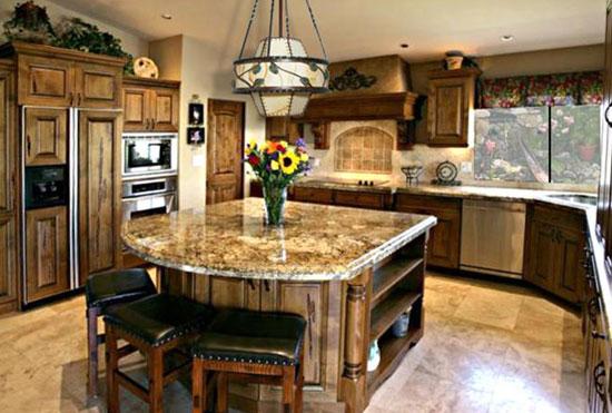 Барная стойка неправильной формы на кухне