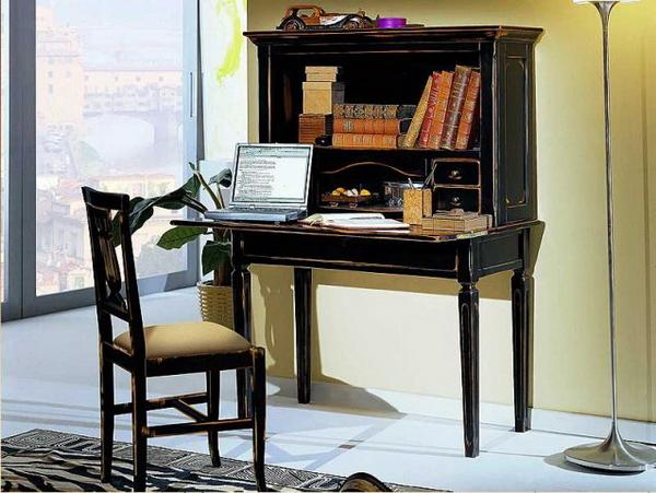 Письменный секретер в интерьере спальни