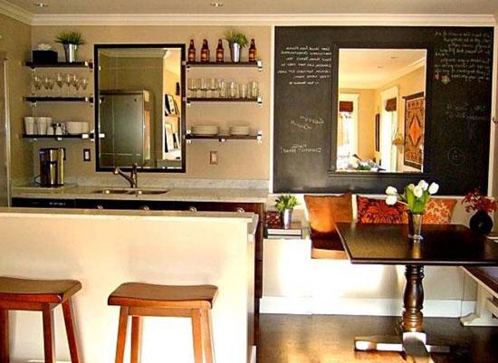 Расположение барной стойки и обеденного стола на кухне