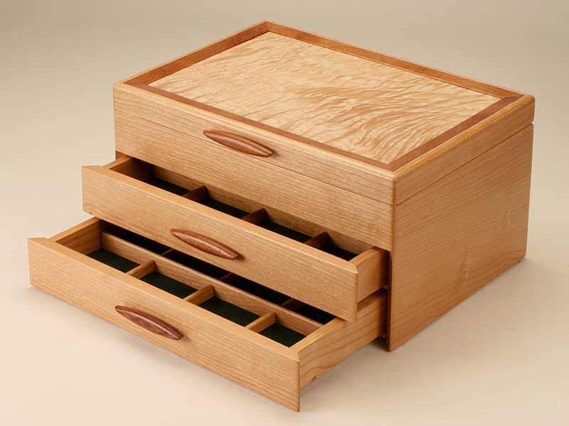 Деревянная шкатулка для украшений своими руками
