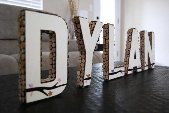 Деревянные буквы для интерьера, отделанные вручную