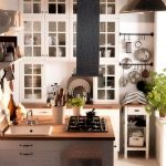 Островной вариант расположения мебели на маленькой кухне