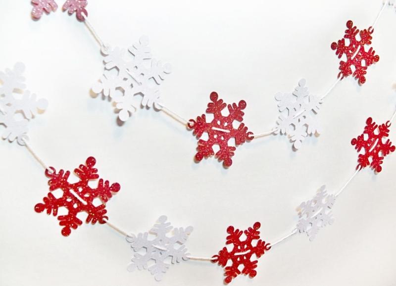 Блестящие новогодние гирлянды из бумаги