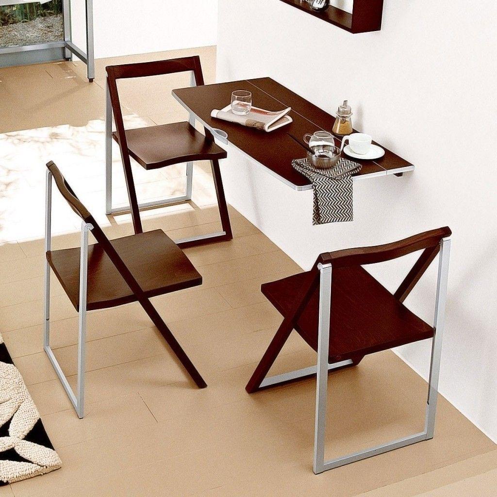 Пристенный складной стол и стулья