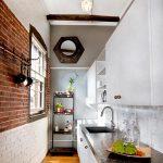 Узкая маленькая кухня в стиле модерн