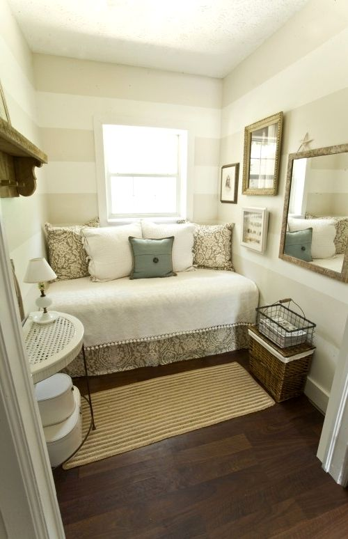 Как расставить мебель в спальне (23)