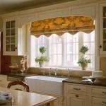 Рисунок с цветами на кухне