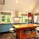 Фото 128: Кухня с барной стойкой