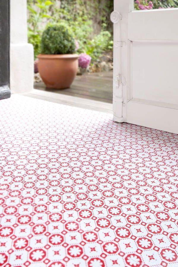 Decorative vinyl floor tiles