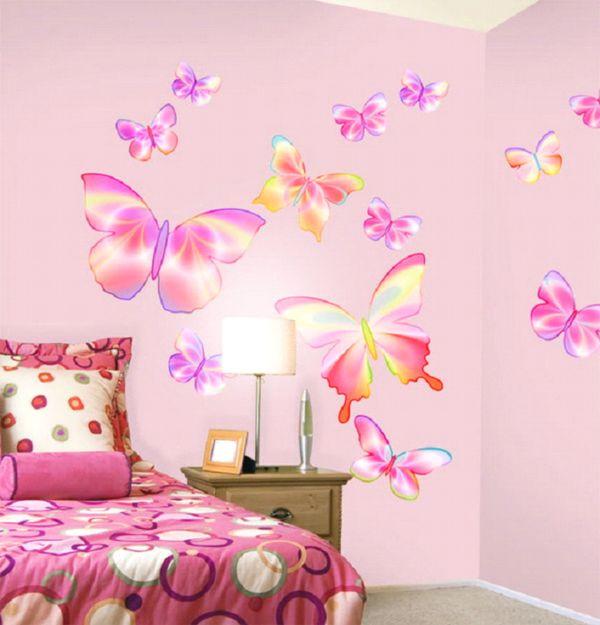 нарисованные бабочки на стене