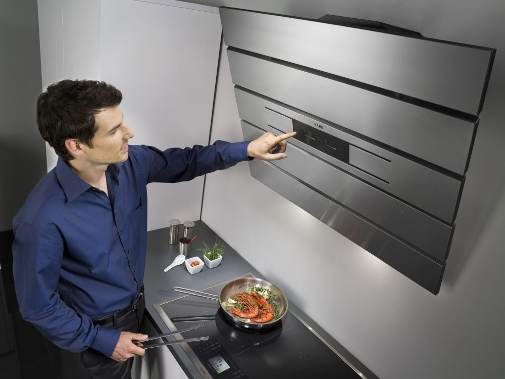 Цифровое управление вытяжкой на кухне
