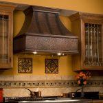 Фото 30: Кухонная вытяжка под бронзу