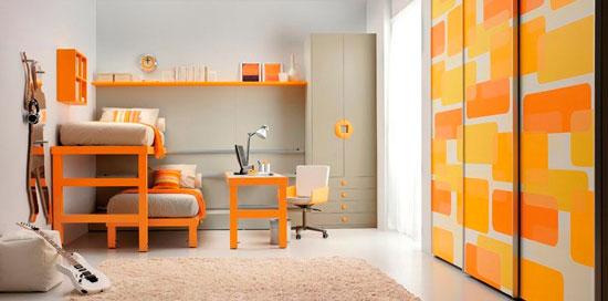 Декор раздвижных дверей для гардеробной в детской комнате