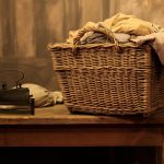 Фото 43: Корзина для белья плетеная