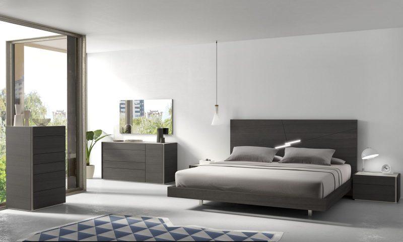 Практичность и единая цветовая гамма в дизайне спальни