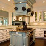 Фото 43: Дизайн островной кухонной вытяжки