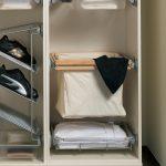 Встроенная корзина для белья в шкаф