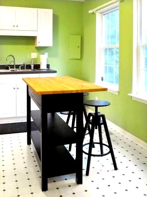 Барная стойка для кухни фото в зеленом интерьере