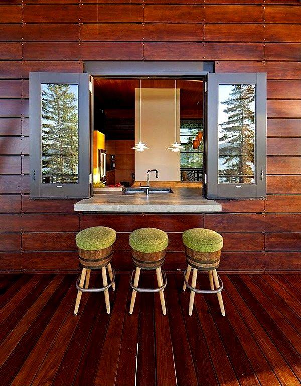 Барная стойка для кухни в деревянном интерьере