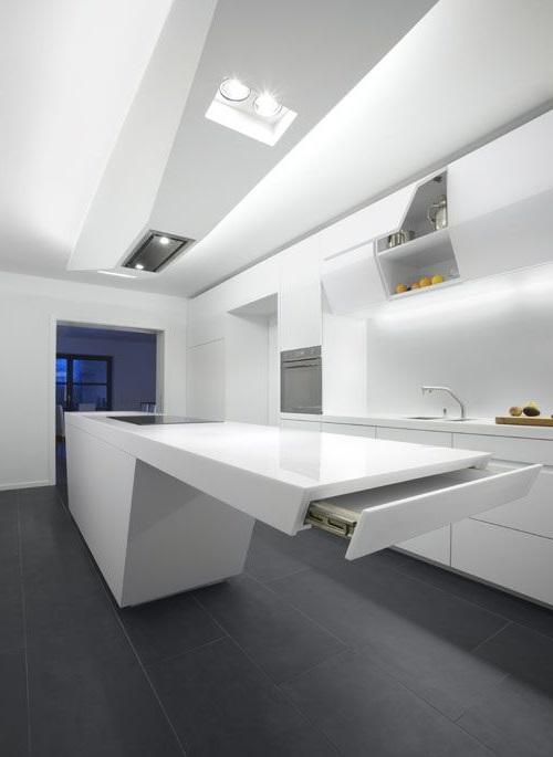 Футуристичная встроенная кухня hi-tech
