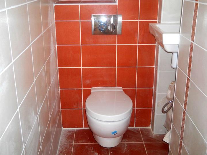 Инсталляция унитаза улучшает дизайн интерьера, облегчает уборку помещения